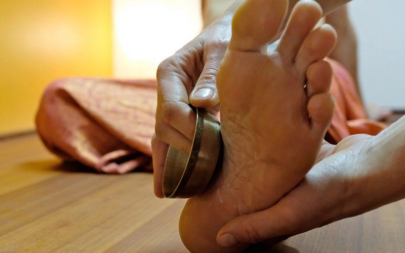 Massage du pied au bol kansu
